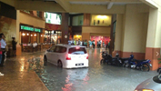 Flood in front on IOI Mall, Puchong. Source: @jegan_6
