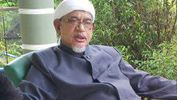 Pas wants Khalid retained as MB of Selangor