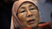 Opposition leader Dr Wan Azizah to table new motion of no-confidence against Najib