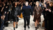 Louis Vuitton: Naomi Campbell dan Kate Moss kejutan di hari terakhir Kim Jones