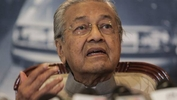 Dr Mahathir sees new role as 'powerbroker'